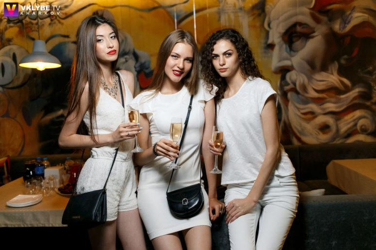 white-party (3)